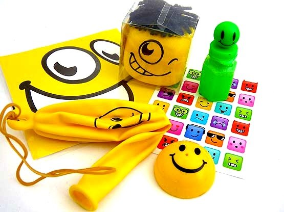 Ultimate Emoji Squeeze Face Party Bag