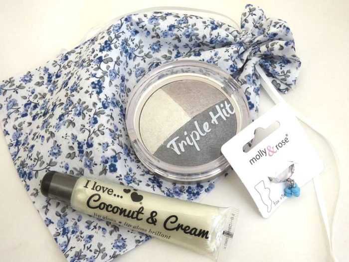 Makeup & Toe Ring Floral Party Bag