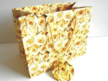Large Rose Bouquet Gift Bag
