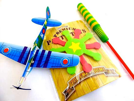 Fly and Throw Kids party bag